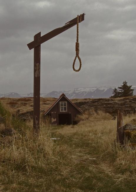 hangmans-cabin22_orig.jpg