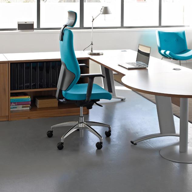 Visual-Beam-Desk-2.jpg