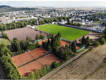 Bild Vulkanstadion gesamtes Gelände.png