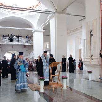 Молебен в Богоявленском соборе Костромского кремля в праздник Феодоровской иконы Божией Матери