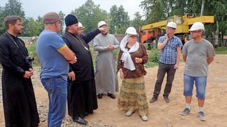 Митрополит Ферапонт посетил строительную площадку Костромского кремля