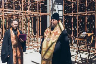 Молебен в стенах восстанавливаемого Костромского кремля в день памяти великомученика Феодора Стратил