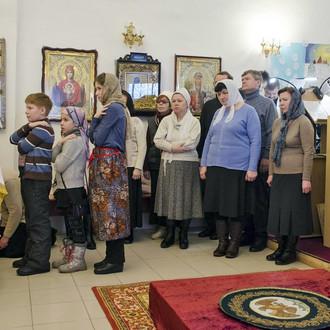 Божественная литургия в храме в честь равноапостольного князя Владимира
