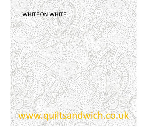 Touch of White 3655 Paisley per qtr metre