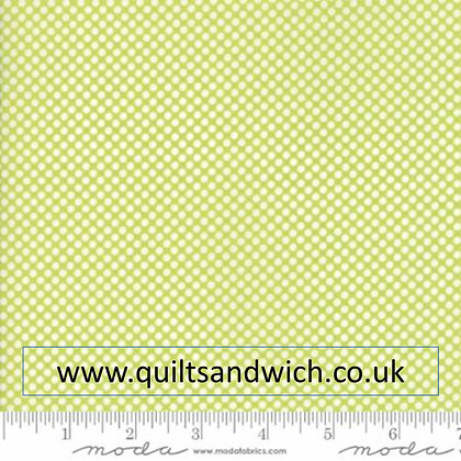 Moda Green Vintage holiday per qtr metre