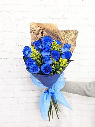 Douzaine de roses bleues