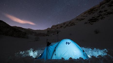 Time lapse stelle+tenda illuminata.mp4