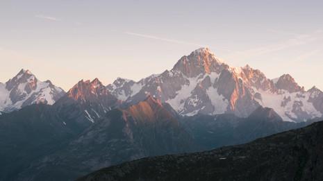 Time lapse monte bianco alba.mp4