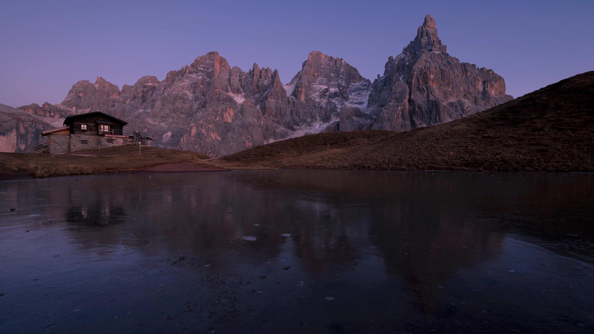 Time lapse tramonto baita Segantini.mp4