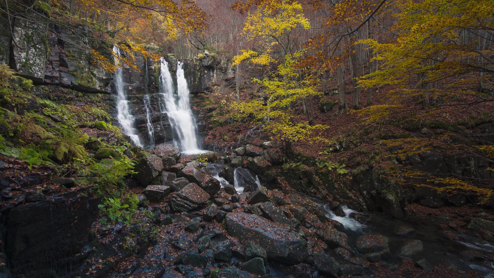 Time lapse Cascate del Dardagna autunno
