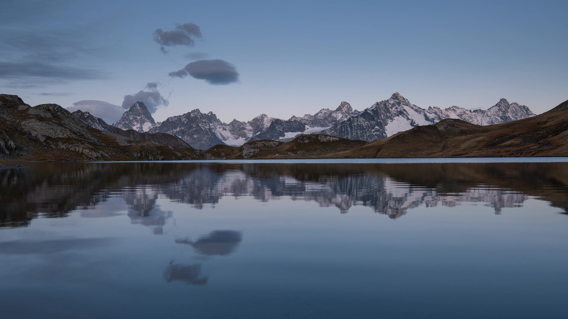 Time lapse alba laghi fenetre.mp4