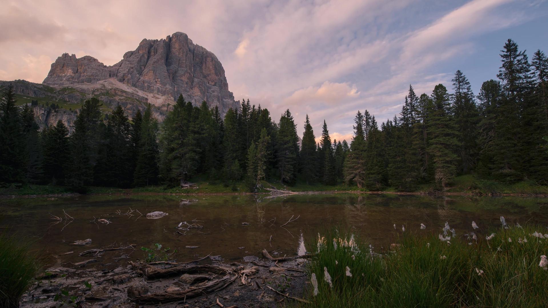 Time lapse tramonto lago tofana.mp4
