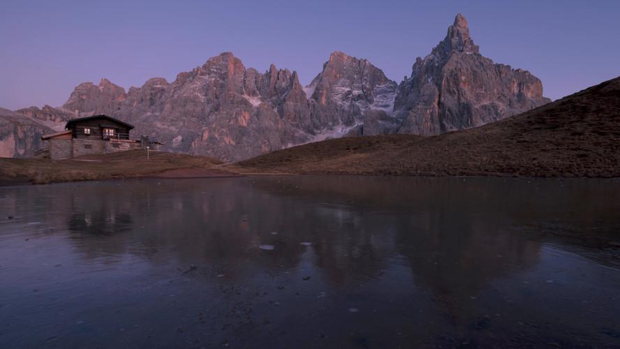 Time lapse baita segantini tramonto 4k.m