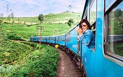 Fille sur train