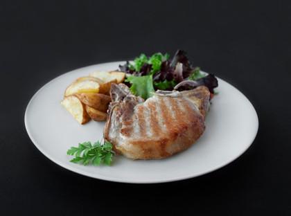 Menu de Grupo o Desejado - Costeleta de Porco Dijonnaise com Batata e Salada