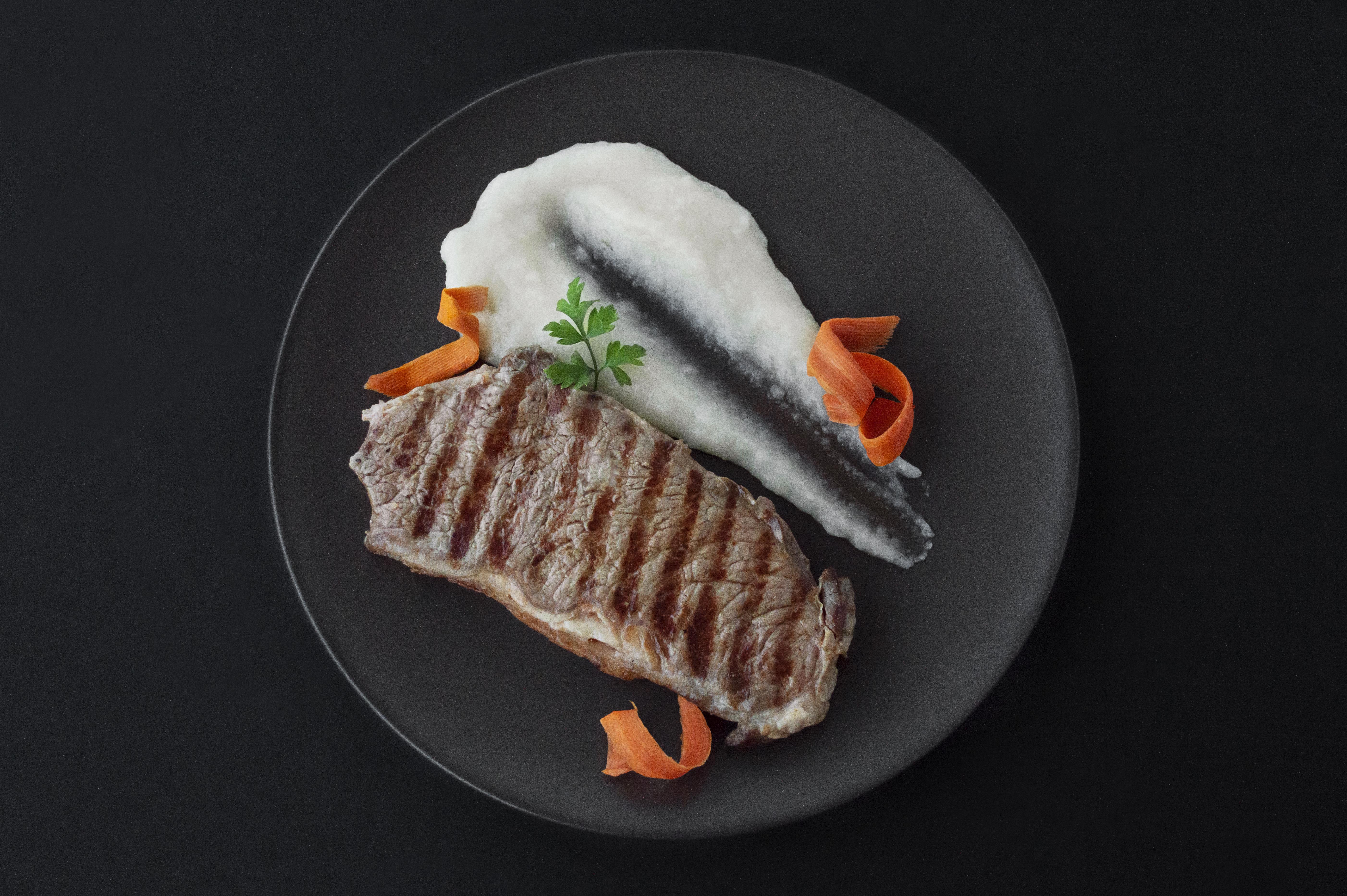 Jantares de Grupo - Bife da Vazia em Pimentas com Puré de Aipo-Rábano