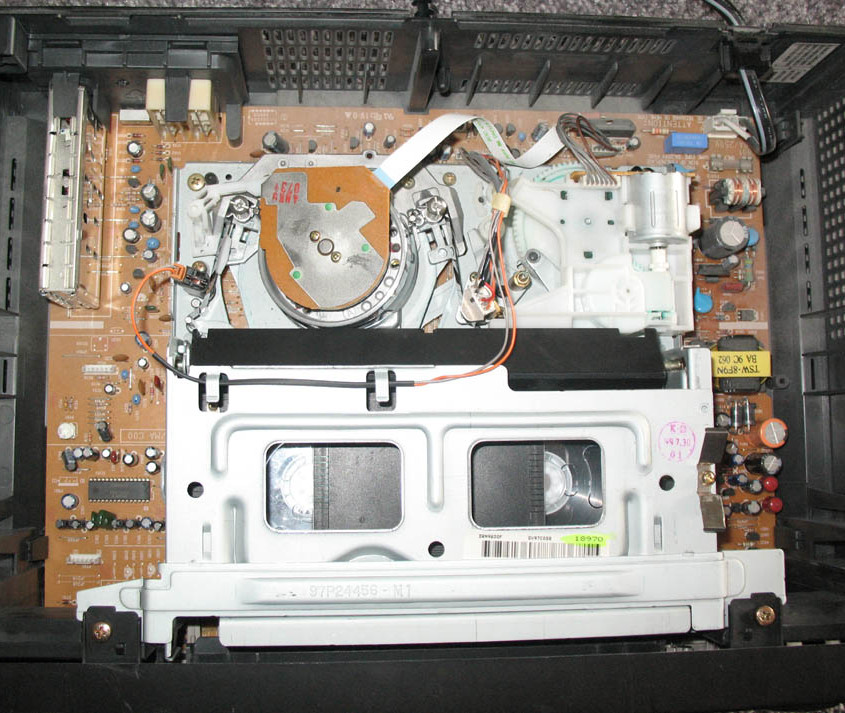 Inner workings of a VCR (Wikipedia)
