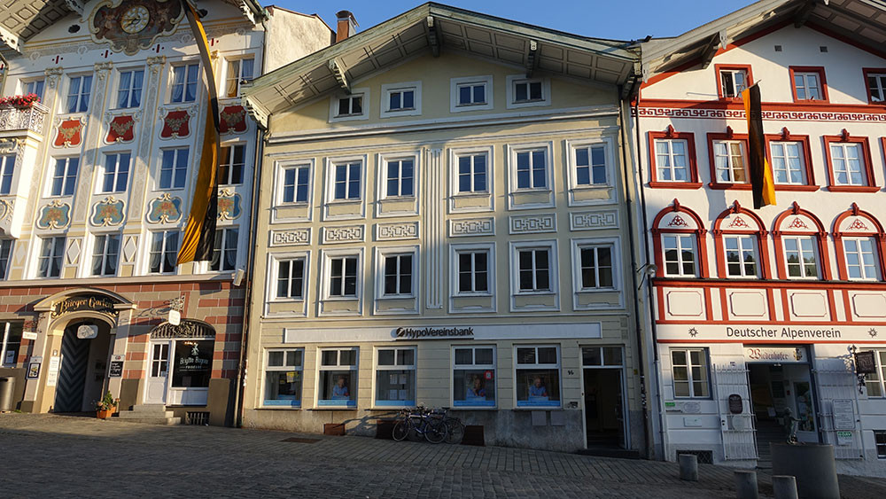 Bayrische Alpenbank (heute steht hier die Hypo Vereinsbank)