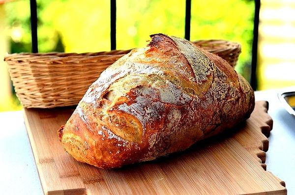 bread-899378_640_edited.jpg