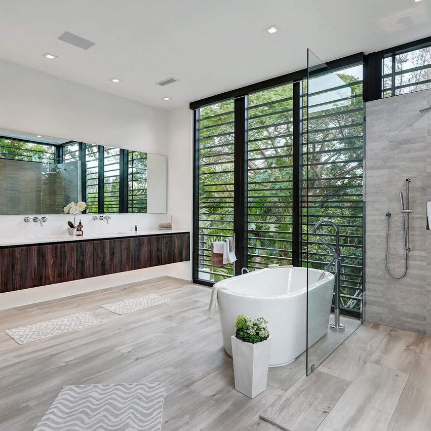 29 Bath 3