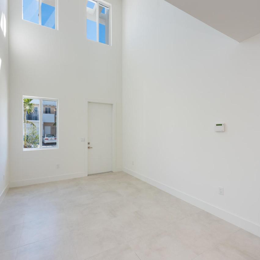 10251 NW 71st Terrace Doral FL-large-005-1-20180313 04 DSC 2486 ED-1499x1000-72dpi