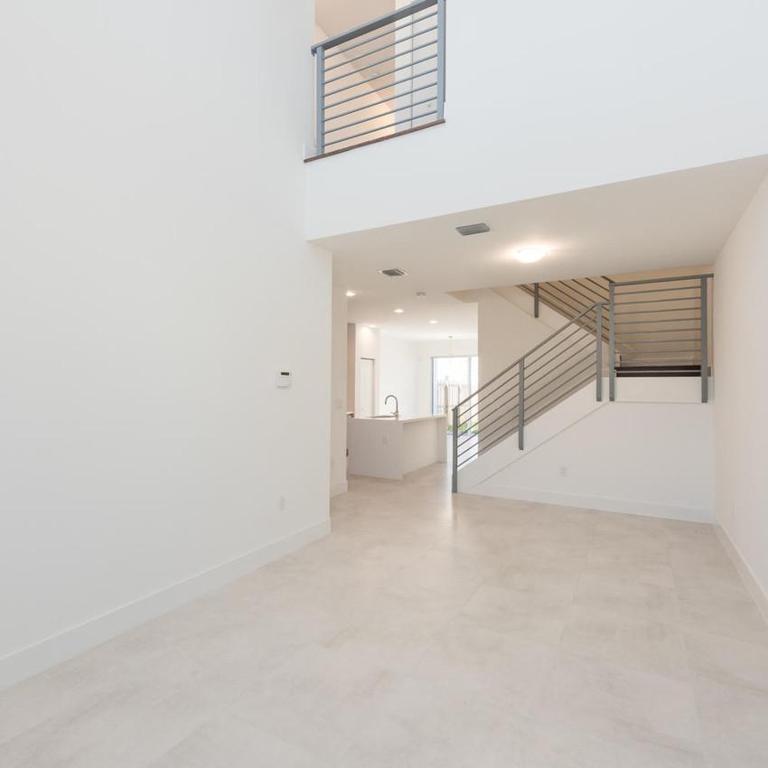 10251 NW 71st Terrace Doral FL-large-006-16-20180313 04 DSC 2489-1499x1000-72dpi