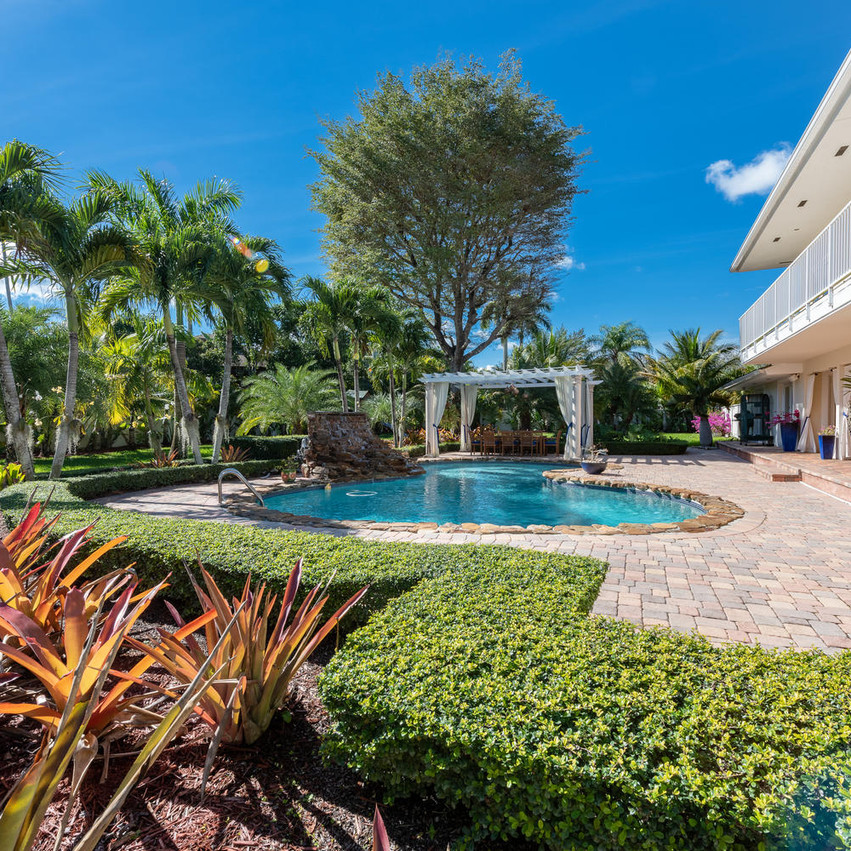 9768 SW 108th Terrace Miami FL-large-008