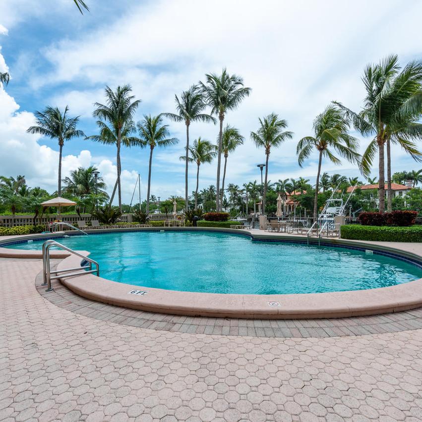 90 Edgewater Dr Unit 604 Miami-large-024-20-20180614 01 DSC 4155-1499x1000-72dpi