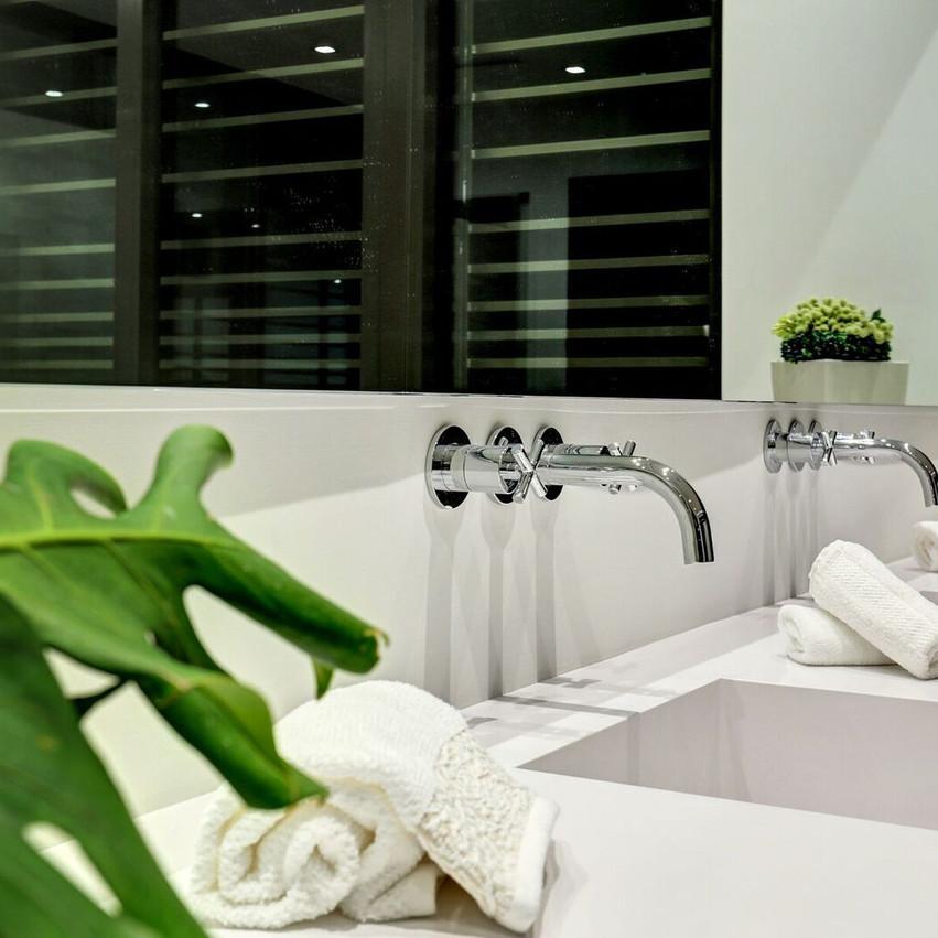 27 Bath 1
