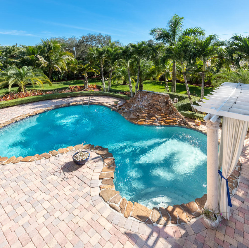 9768 SW 108th Terrace Miami FL-large-036