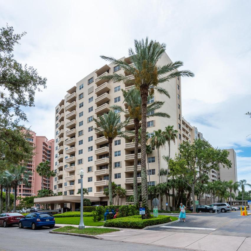 90 Edgewater Dr Unit 604 Miami-large-002-23-20180614 01 DSC 4158-1499x1000-72dpi