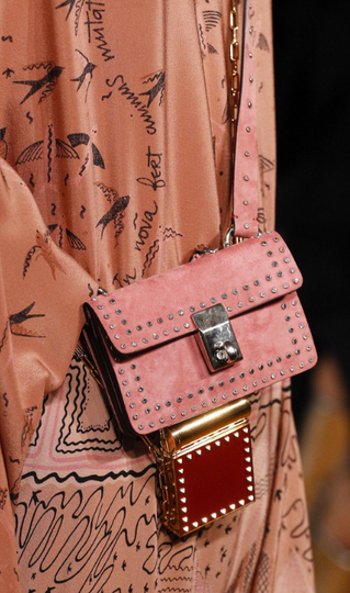 Good Things Come in Tiny Packages: The Ultimate Spring/Summer Cross-body Bag Guide