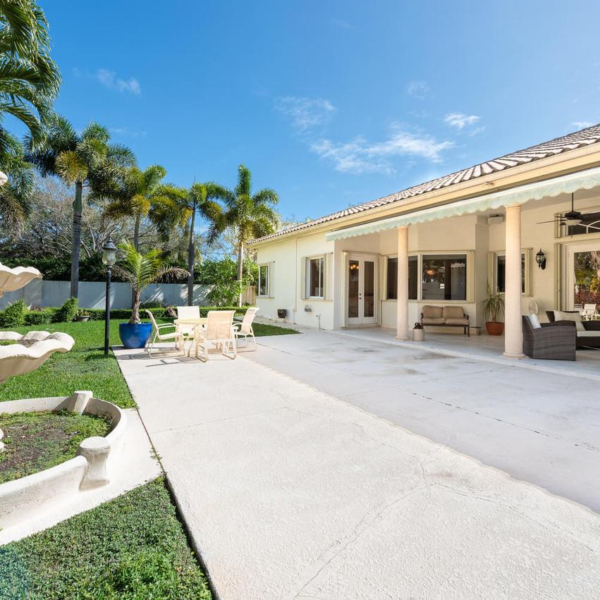9591 SW 124th Terrace Miami FL-large-006