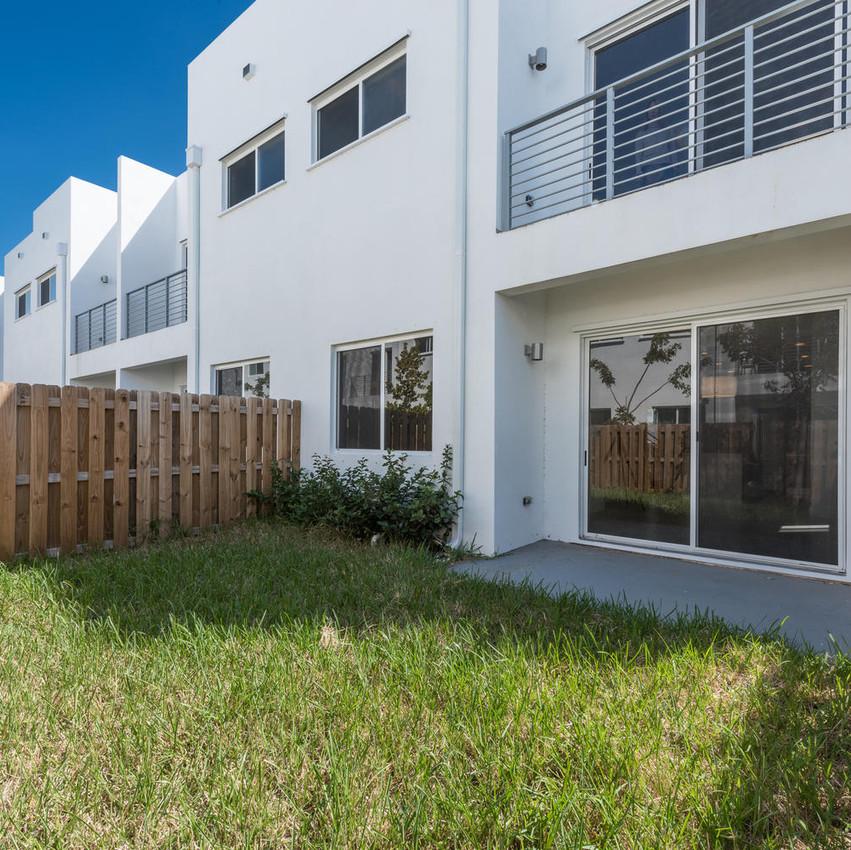 10251 NW 71st Terrace Doral FL-large-003-21-20180313 04 DSC 2476-1486x1000-72dpi