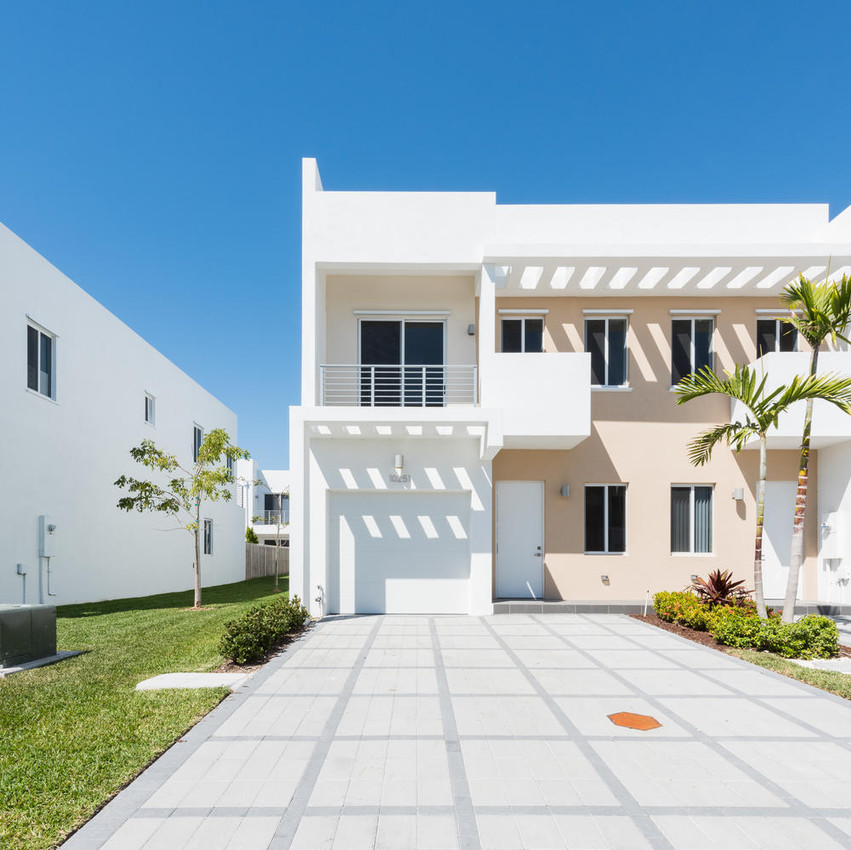 10251 NW 71st Terrace Doral FL-large-001-9-20180313 04 DSC 2474-1499x1000-72dpi