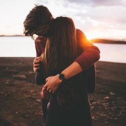 5936624-image-couple