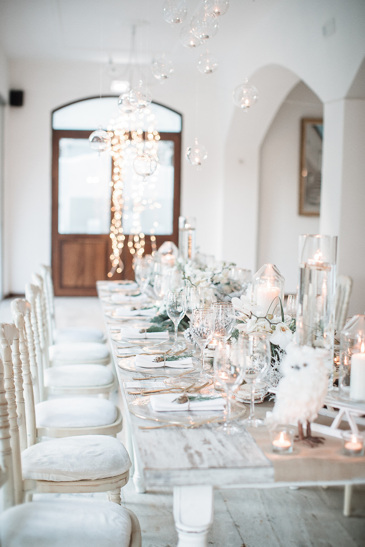 Uno straordinario tavolo imperiale a tema natalizio allestito da Marco Carvelli e Daniela Volpe