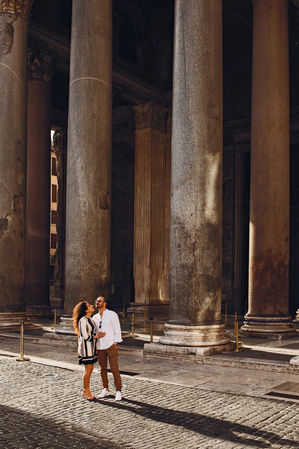 l'alba di un lungo amore nel centro di Roma.