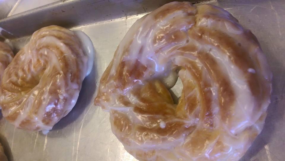 donut (crueller)