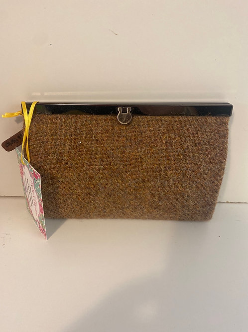 Hebes garden tweed purse