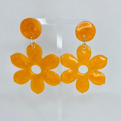 Laura Pearl Earrings