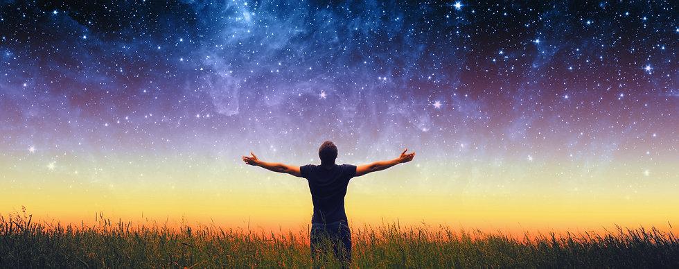 Médium, médiumnité, contact avec les défunts, intuition, anges gardiens, Univers