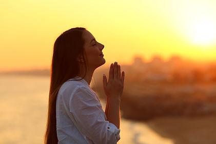 Prière, deuil, paix, apaisement, médiumnité, médium, channeling, tarot, cartomancie, contact avec les défunts, anges gardiens