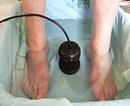 Marie Yelahiah, thérapeute énergéticienne et holistique, propose la détoxination bodyclair et ionique. Eau, bain de pieds.
