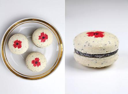 Vegan macarons poppy seeds - cherry - white chocolate. 🍒❤️ Hand-painted.