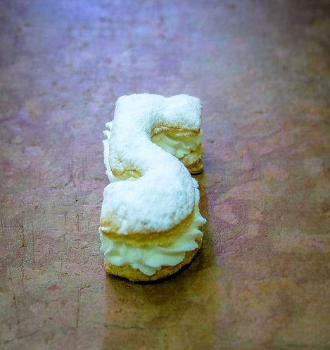 Pastel de hojaldre y nata