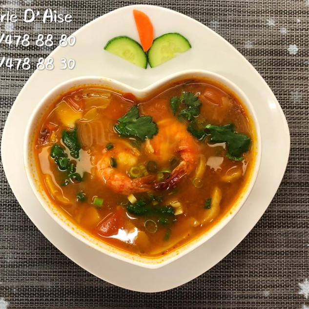 111 - Tom Yam Kung (potage piquant au scampis)