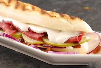 sandwich-panini-au-chevre-pommes-et-baco