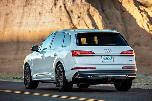 audi-q7-custom-wheels-side-rear.jpg