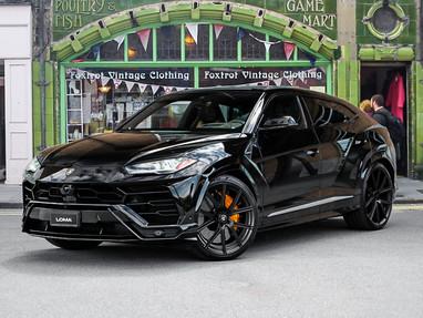 2021 Custom Lamborghini Urus for Sale.